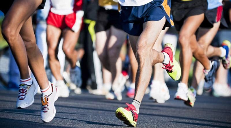 https: img.okezone.com content 2019 10 01 481 2111403 bentuk-latihan-tepat-untuk-para-pelari-jangan-sampai-salah-YVps6bJtRU.jpg