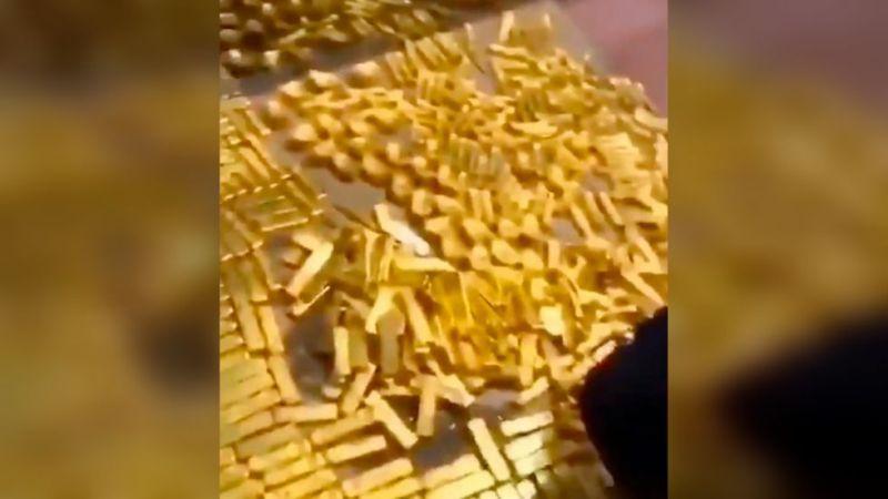 https: img.okezone.com content 2019 10 02 18 2111912 otoritas-china-temukan-tumpukan-13-5-ton-emas-ditemukan-di-rumah-mantan-gubernur-Kx4UVsFpaN.jpg