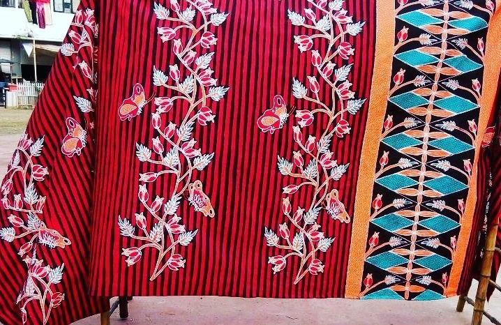 https: img.okezone.com content 2019 10 02 194 2111803 mengenal-5-motif-batik-unik-kreasi-masyarakat-indonesia-yFfruBBaip.jpg