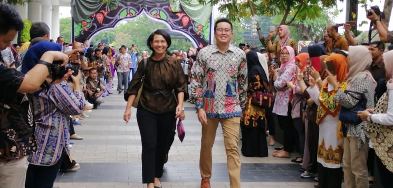 https: img.okezone.com content 2019 10 02 194 2111906 anies-setiap-batik-seakan-memiliki-nyawa-jF48oCo5xM.jpg