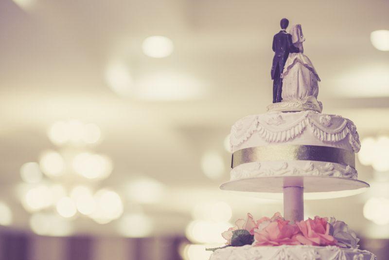 https: img.okezone.com content 2019 10 02 298 2112131 7-kue-pernikahan-keren-dari-seluruh-dunia-bisa-jadi-inspirasi-nih-EkLH7YAyYS.jpg