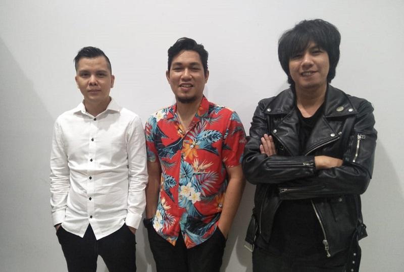 https: img.okezone.com content 2019 10 03 33 2112657 cita-citata-hingga-armada-band-ramaikan-indonesia-awards-2019-FHLE09g7Os.jpg