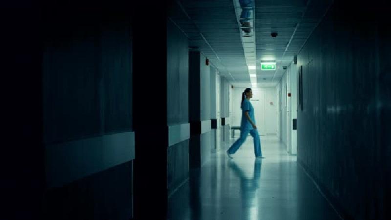 https: img.okezone.com content 2019 10 03 612 2112607 misteri-bel-nurse-call-untuk-suster-ria-saat-piket-malam-horor-banget-8v1Eg5sEQn.jpg