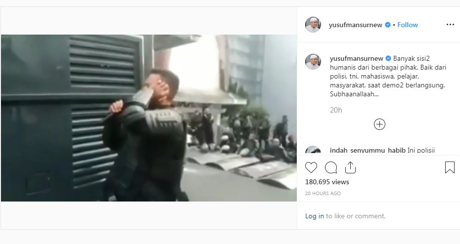 https: img.okezone.com content 2019 10 03 614 2112237 viral-polisi-adzan-ketika-unjuk-rasa-berlangsung-netizen-masyaallah-merdunya-k2Nk5VcSiG.JPG