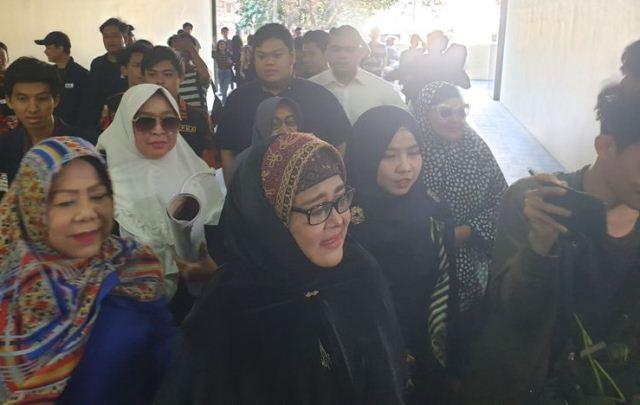 https: img.okezone.com content 2019 10 04 337 2112909 ibunda-alhamdulillah-kondisi-faisal-amir-membaik-4KlSOQjHtf.jpg