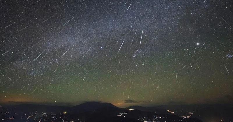 https: img.okezone.com content 2019 10 04 56 2112933 puncak-hujan-meteor-orionid-diprediksi-muncul-21-22-oktober-hbxkbEDshr.jpg