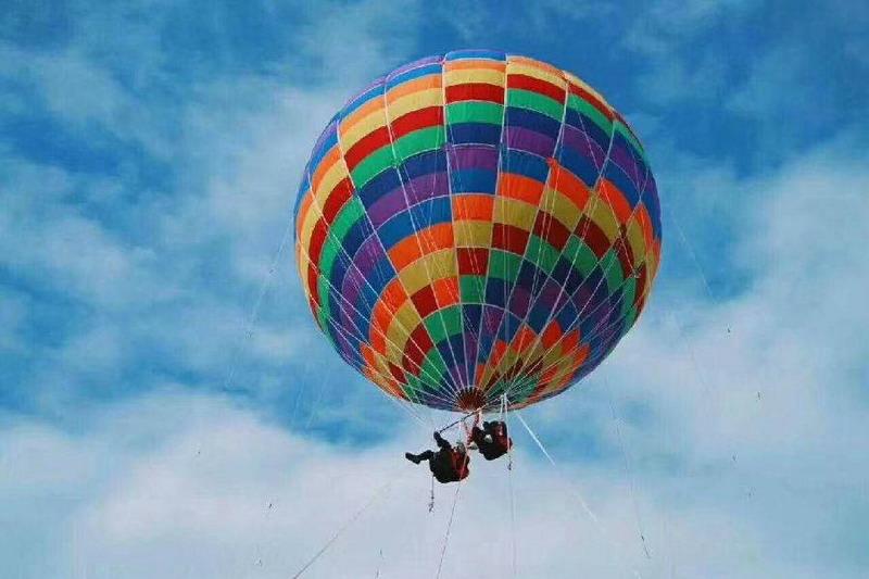 https: img.okezone.com content 2019 10 05 18 2113290 ibu-dan-anak-tewas-dalam-kecelakaan-balon-udara-di-lokasi-wisata-china-Jzphb6TVLq.jpg
