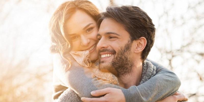 https: img.okezone.com content 2019 10 05 196 2113254 tips-harmonis-jalin-cinta-beda-usia-sangat-jauh-bisa-sampai-kakek-nenek-kok-BCC5e25RQG.jpg