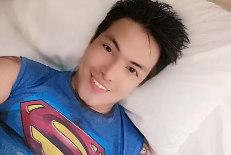 https: img.okezone.com content 2019 10 05 33 2113297 pria-filipina-rela-26-kali-operasi-plastik-agar-mirip-superman-WbACpe7NMg.jpg