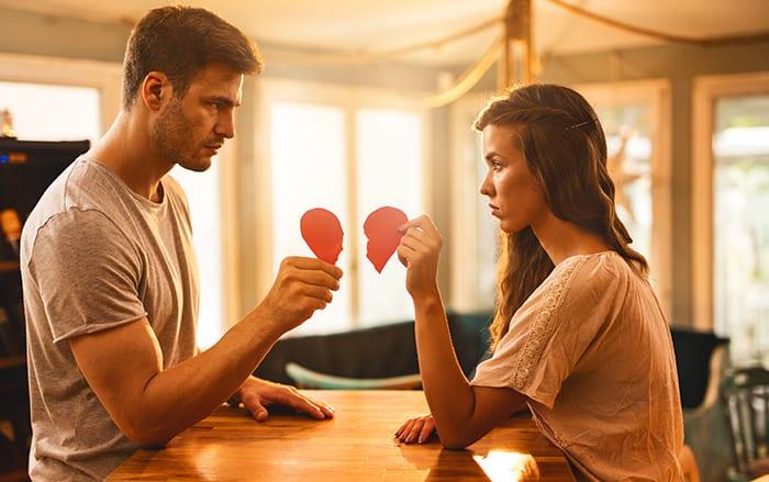 https: img.okezone.com content 2019 10 06 196 2113439 detik-detik-mahasiswi-jatuh-cinta-kepada-dosennya-sendiri-7xCotGTYbT.jpg