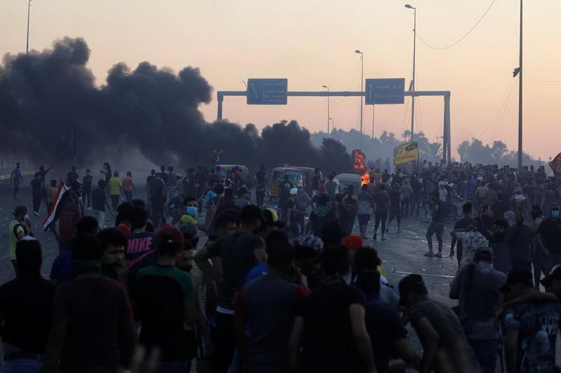 https: img.okezone.com content 2019 10 07 18 2113713 korban-tewas-demonstrasi-dan-kerusuhan-di-irak-capai-lebih-dari-100-orang-xkBvbQjJCG.jpg