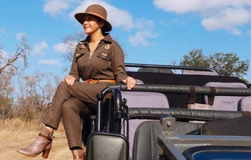 https: img.okezone.com content 2019 10 07 194 2113802 intip-4-safari-style-ala-maia-estianty-di-afrika-selatan-keren-maksimal-rH9uvJzdk5.jpg