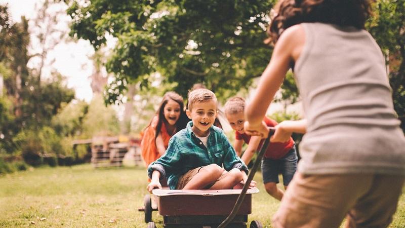 https: img.okezone.com content 2019 10 08 196 2114287 bermain-baik-untuk-tumbuh-kembang-anak-pastikan-sesuai-tahapan-usia-eC2nFGr5Ay.jpg