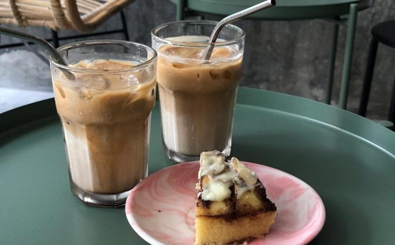 https: img.okezone.com content 2019 10 08 298 2114390 es-kopi-susu-fenomena-yang-lahir-ketika-peminum-kopi-serius-sudah-mulai-jenuh-re7xPEPRQQ.jpg