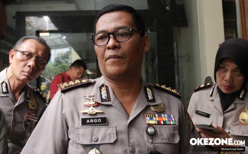 https: img.okezone.com content 2019 10 08 337 2114248 selidiki-kasus-penganiayaan-ninoy-karundeng-polisi-akan-periksa-munarman-2YyrmLj4qr.jpg