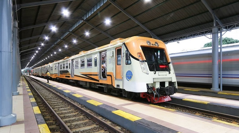https: img.okezone.com content 2019 10 08 406 2114315 5-stasiun-kereta-api-paling-romantis-dan-ikonik-di-indonesia-gcT3pEdeXA.jpg