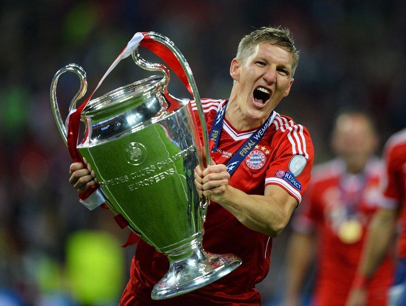 https: img.okezone.com content 2019 10 08 51 2114516 schweinsteiger-resmi-gantung-sepatu-di-akhir-musim-2019-2020-Topa9B5bxK.jpg