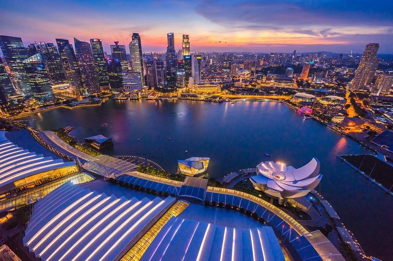 https: img.okezone.com content 2019 10 09 320 2114718 sederet-kelebihan-singapura-negara-paling-kompetitif-di-dunia-BBFDw3tLMl.jpg