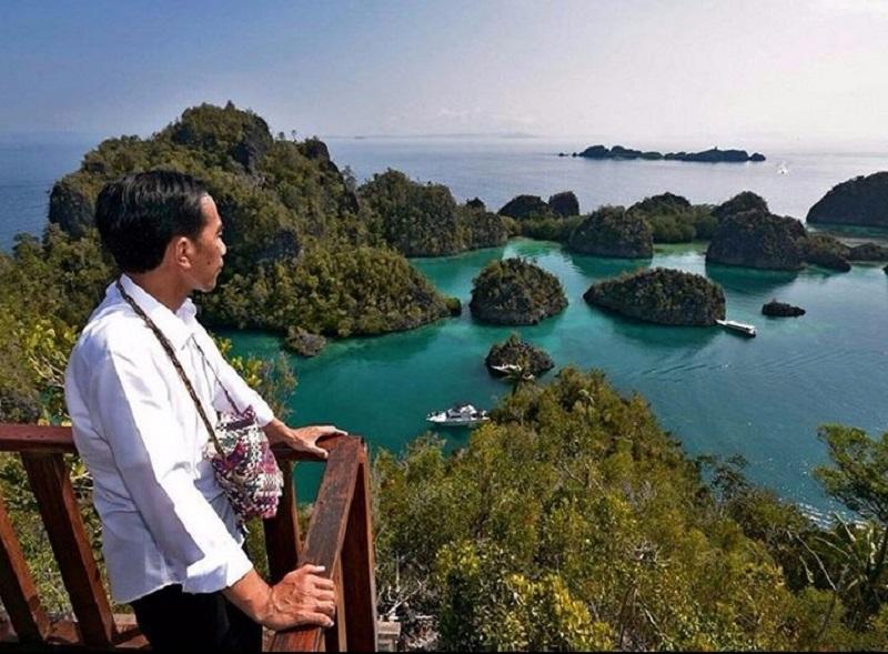 https: img.okezone.com content 2019 10 09 406 2114910 pakar-pariwisata-potensi-wisata-indonesia-hanya-sekadar-political-words-6YtbYvUM6k.jpg