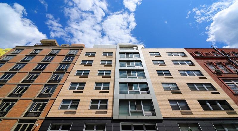 https: img.okezone.com content 2019 10 09 470 2114781 penjualan-apartemen-lesu-pengembang-tertarik-bangun-rumah-tapak-fzja7eDsMd.jpg