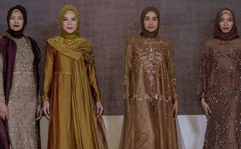 https: img.okezone.com content 2019 10 10 617 2115283 60-desainer-siap-pamerkan-busana-di-indonesia-modest-fashion-week-2019-bID3Q5VkhJ.jpg