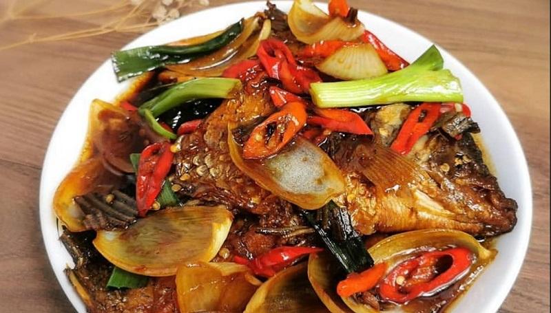 Santap Gurame Saus Tiram Dan Sambal Kweni Untuk Makan Siang Ini Resepnya Okezone Lifestyle
