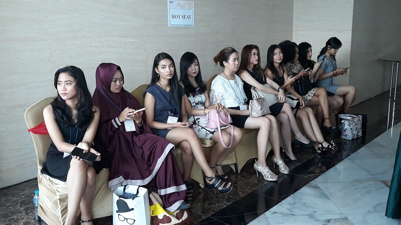 https: img.okezone.com content 2019 10 13 194 2116439 audisi-miss-indonesia-di-yogyakarta-diikuti-peserta-dari-berbagai-provinsi-PWzIT44iAD.jpg