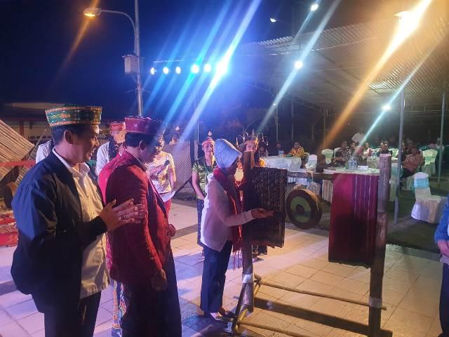 https: img.okezone.com content 2019 10 14 1 2116652 kemendes-pdtt-dan-pemkab-manggarai-gelar-festival-seni-dan-budaya-untuk-perdamaian-P7ujQivrLY.jpg