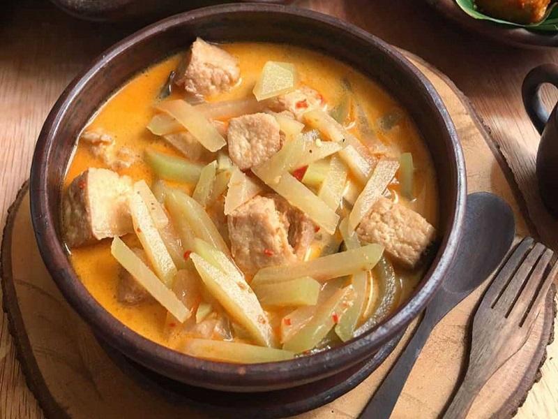 https: img.okezone.com content 2019 10 14 298 2116498 resep-menu-pelengkap-makan-siang-lodeh-tahu-labu-siam-dan-capcay-merah-87vm1FuEfP.jpg