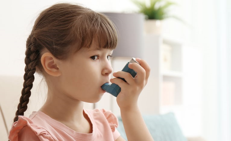 https: img.okezone.com content 2019 10 14 481 2116707 kenali-penyebab-asma-pada-anak-dan-gejalanya-63nRXmg8EO.jpg