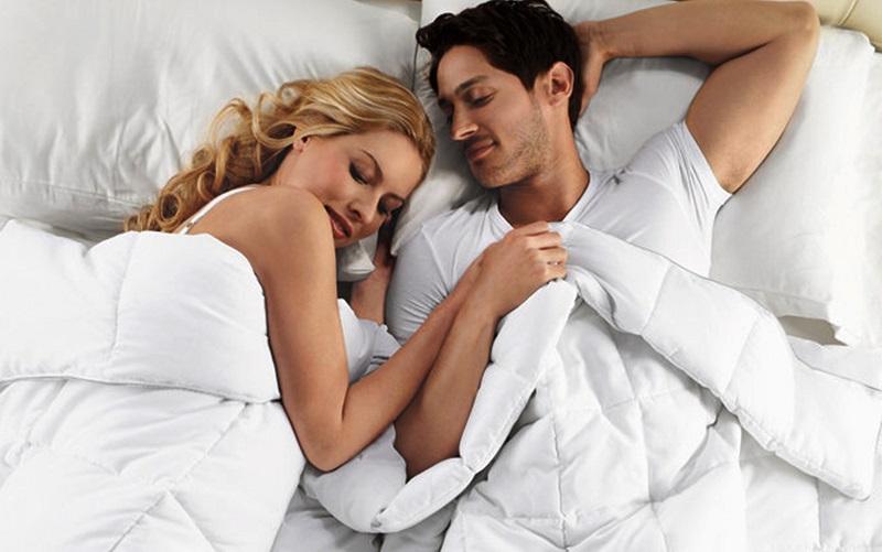 https: img.okezone.com content 2019 10 14 485 2116882 hubungan-seks-usai-nikah-lebih-nikmat-daripada-one-night-stand-ini-buktinya-97KAFLnPGL.jpg