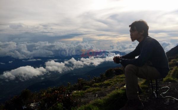 https: img.okezone.com content 2019 10 15 406 2117228 merapi-erupsi-pariwisata-yogyakarta-dan-sleman-masih-aman-nEvi6EvLw3.jpg