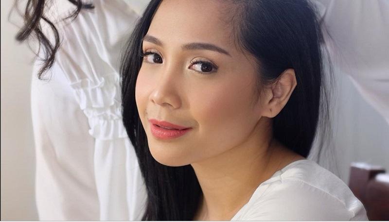 https: img.okezone.com content 2019 10 15 611 2117307 makeup-flawless-ala-nagita-slavina-cantiknya-natural-HjTbVAbud5.jpg