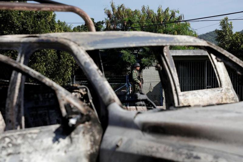 https: img.okezone.com content 2019 10 16 18 2117650 15-orang-tewas-dalam-penembakan-massal-di-meksiko-W7UE3IdZf8.jpg