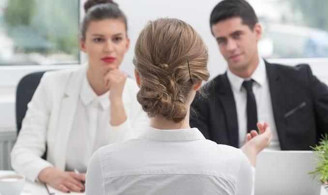 https: img.okezone.com content 2019 10 16 196 2117879 5-hal-yang-haram-dikatakan-saat-interview-pekerjaan-baru-e3HhYIpgbz.jpg