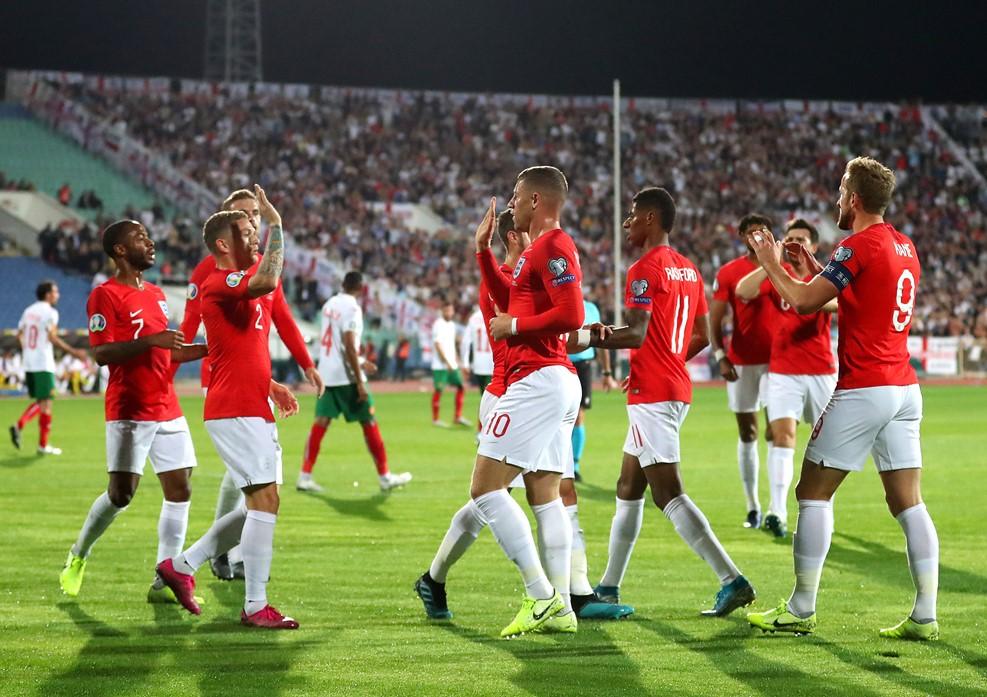 https: img.okezone.com content 2019 10 16 51 2117629 kapten-bulgaria-malu-dengan-insiden-rasisme-terhadap-pemain-inggris-4gm7sMC05O.jpg