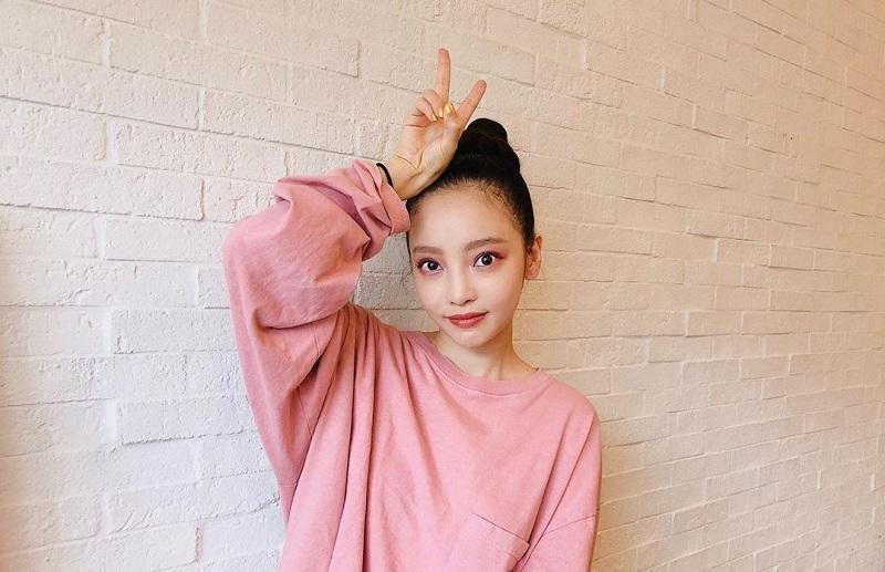 https: img.okezone.com content 2019 10 17 33 2118271 tiba-di-korea-goo-hara-hadiri-pemakaman-sulli-eks-f-x-08wcP3cLST.jpg