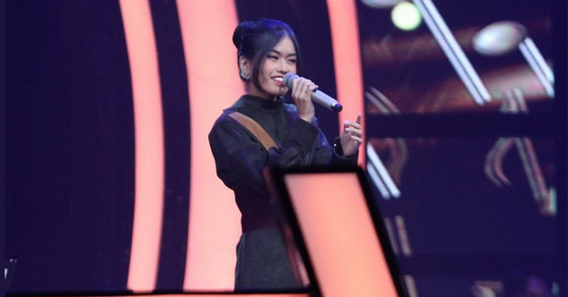 https: img.okezone.com content 2019 10 18 598 2118921 putri-alya-rohali-tersisih-di-the-voice-indonesia-2019-RrRLtyQt4r.jpg