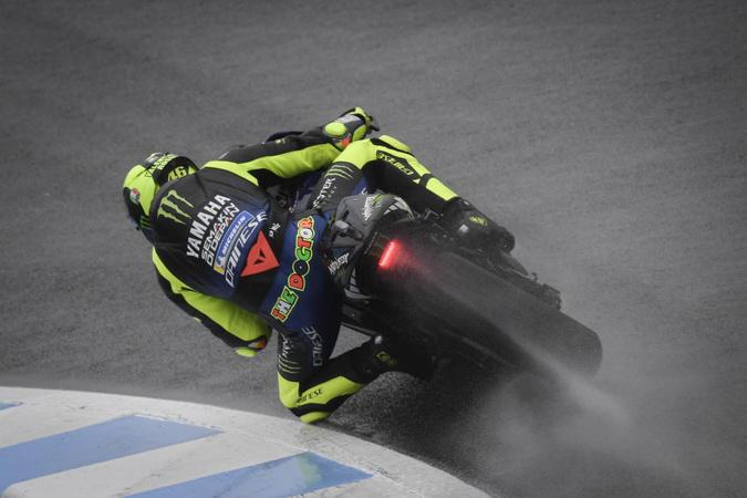 https: img.okezone.com content 2019 10 19 38 2119097 rossi-bisa-finis-dekat-podium-di-motogp-jepang-2019-ZV8yJrOrqU.jpg