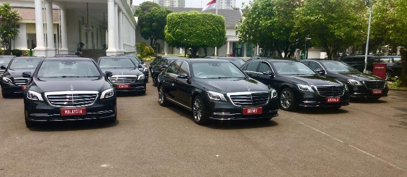 https: img.okezone.com content 2019 10 19 52 2119130 pelantikan-presiden-jokowi-akan-menggunakan-mobil-mercedes-benz-8MUQxY9y5y.jpeg