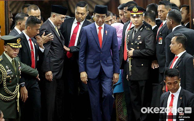 https: img.okezone.com content 2019 10 21 320 2119535 presiden-jokowi-ingin-menteri-terpilih-kerja-keras-dan-cepat-vfrSnyYDmw.jpg
