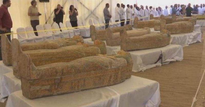 https: img.okezone.com content 2019 10 21 56 2119784 ditemukan-30-peti-mati-kuno-berisi-mumi-di-mesir-vPv54hDLJQ.jpg