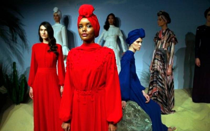 https: img.okezone.com content 2019 10 21 617 2119652 intip-maraknya-fashion-muslim-di-amerika-JuIePcT8Nj.jpg