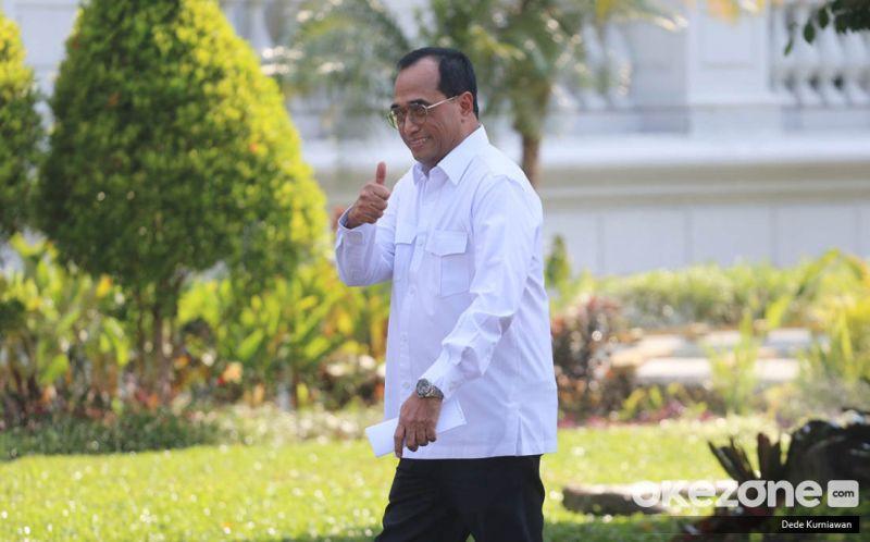 https: img.okezone.com content 2019 10 22 320 2120325 budi-karya-presiden-jokowi-minta-saya-lanjut-jadi-menhub-aCKFeKhw2U.jpg