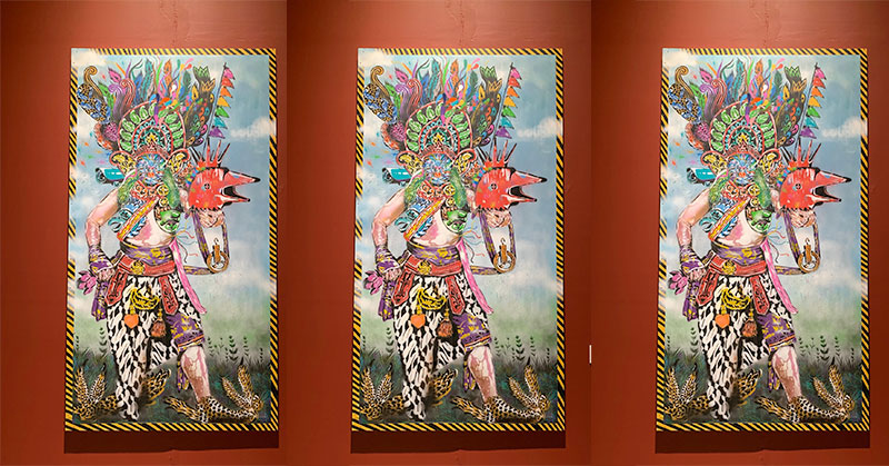 https: img.okezone.com content 2019 10 22 406 2120420 seniman-asal-padang-sampaikan-pesan-pluralisme-lewat-seni-lukisan-eCPCQ3rvcs.jpg