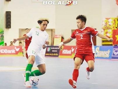 https: img.okezone.com content 2019 10 22 51 2120293 timnas-futsal-indonesia-vs-vietnam-tanpa-gol-di-babak-pertama-xGkX09hsuH.jpg