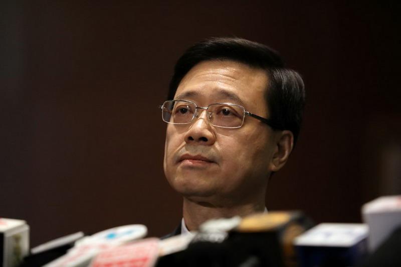 https: img.okezone.com content 2019 10 23 18 2120747 parlemen-hong-kong-resmi-tarik-ruu-ekstradisi-pemicu-demonstrasi-ryyxcftBSx.jpg
