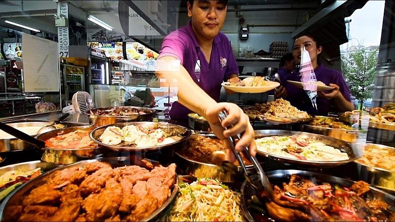 https: img.okezone.com content 2019 10 23 298 2120767 singapura-jadi-kota-terbaik-di-dunia-untuk-menikmati-street-food-SPclVevZ09.jpg