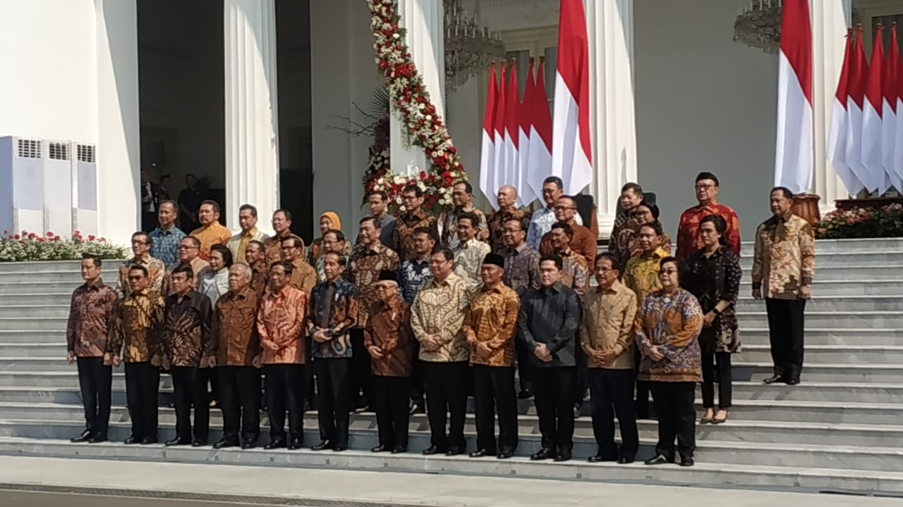 https: img.okezone.com content 2019 10 23 320 2120548 pekerjaan-rumah-kabinet-indonesia-maju-perbaikan-koordinasi-wI3vn91ZCO.jpeg