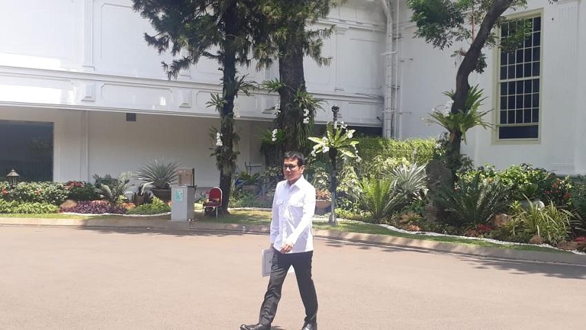 https: img.okezone.com content 2019 10 23 320 2120600 nama-baru-menteri-ekonomi-di-kabinet-indonesia-maju-berikut-daftarnya-izHqcyzk4r.jpeg
